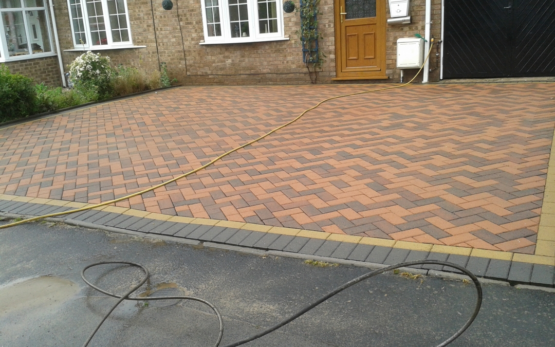 Block paving cleaning archives driveway cleaning for Driveway cleaning companies